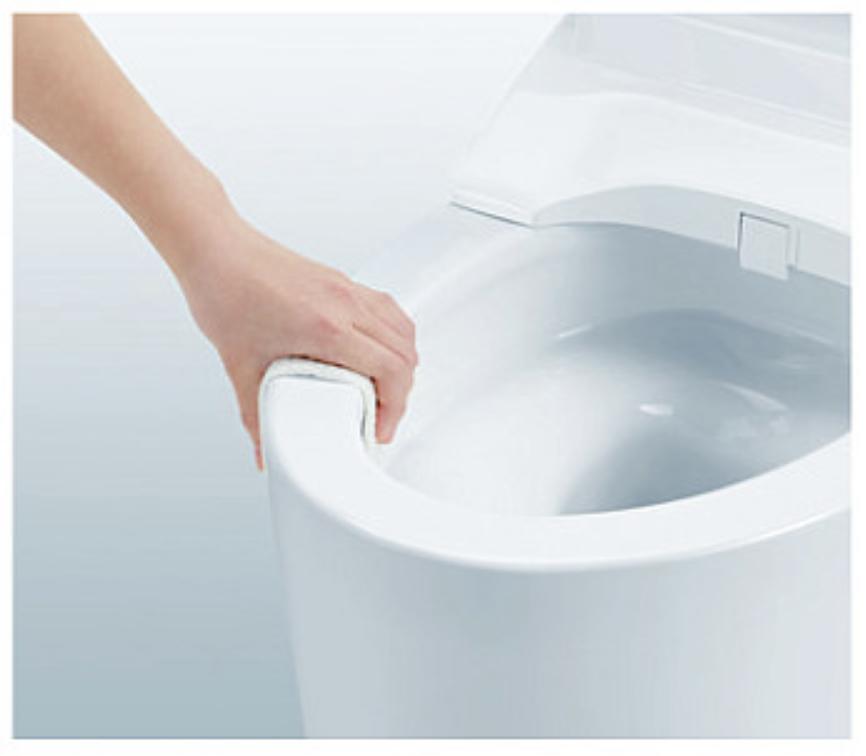 一体型トイレのフチなし形状便器